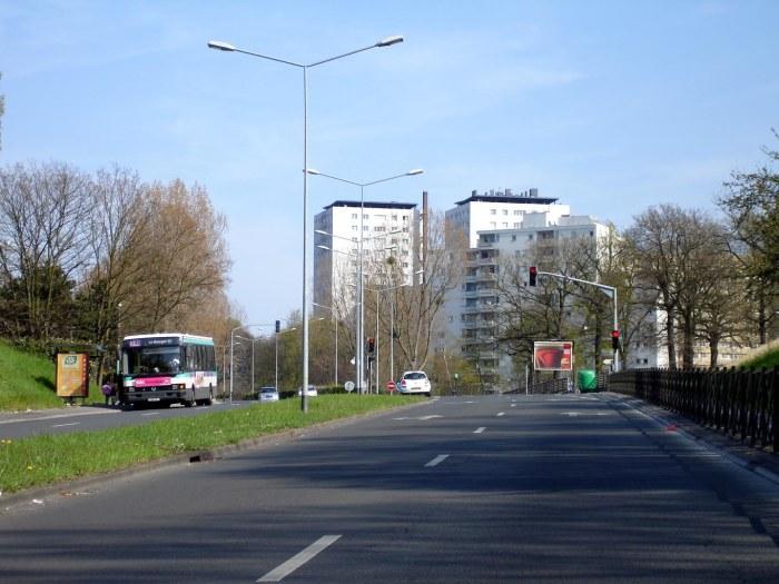 Clichy-sous-Bois_-_Boulevard_Gagarine_01