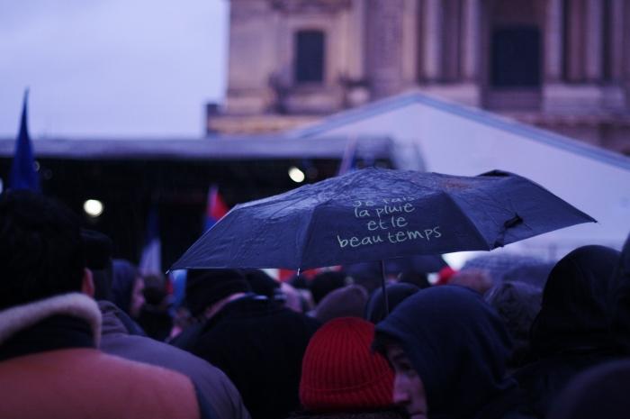 Fin de la manifestation, aux Invalides.